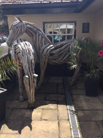 Blandford Forum, UK: These beautiful horses are cleverly made from tree branches!