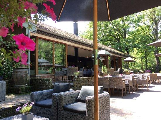 De Lutte, Países Bajos: Mooi restaurant met prima ligging.