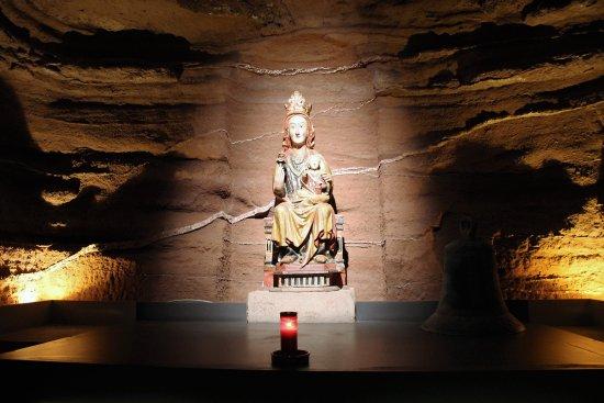 Monasterio de Santa Maria La Real: Maria in der Höhle; in der Krypta