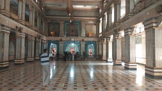 Tulsi Manas Temple : Large temple