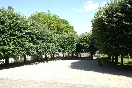 Jardin du Monument aux Meres Francaises