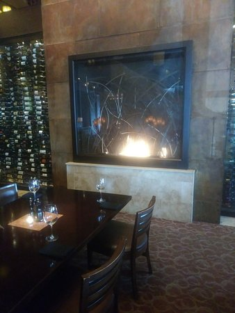 Center Valley, PA: Fireplace at Melt