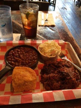 Southern Hospitality BBQ: Southern Hospitality's Pulled Pork Dinner