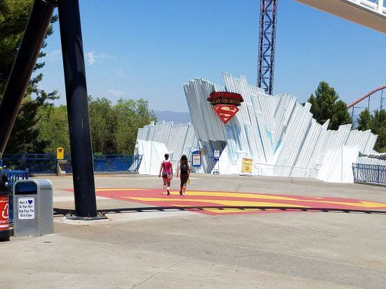 Santa Clarita, CA: Superman Escape From Krypton