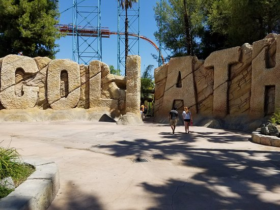 Santa Clarita, CA: Goliath