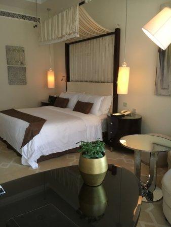 فندق سان ريجيس الدوحة: Standard room