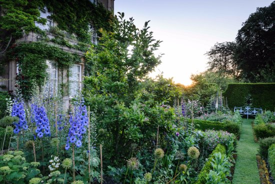 The Royal Gardens At Highgrove: The Sundial Garden