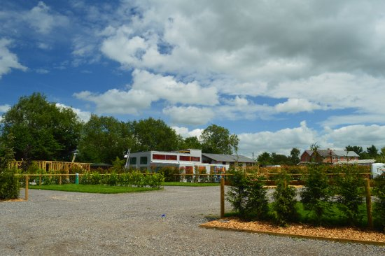 Dilton Marsh, UK: A view of our pitches and the under-construction Kids Soft Play - coming soon!