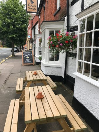 ‪‪Henley in Arden‬, UK: Summer 2017 outside seating‬