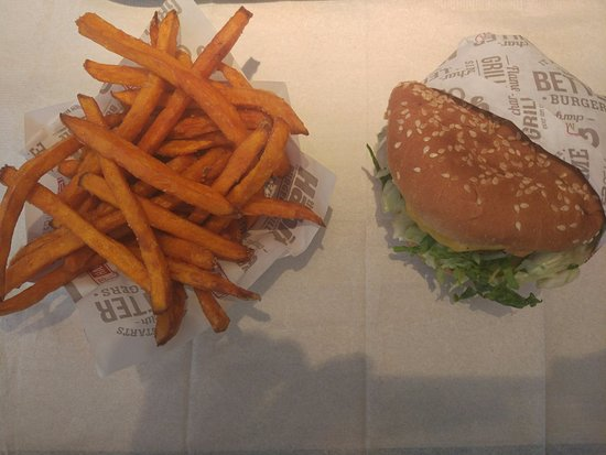 Royal Palm Beach, Флорида: Burger and Sweet potato fries