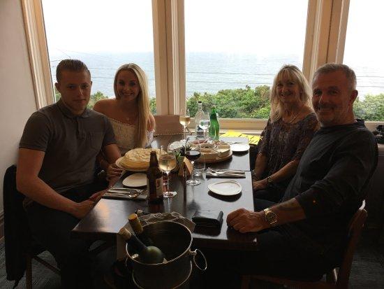 Onchan, UK: Ryan. Dani, Debbie & the SiverFox.