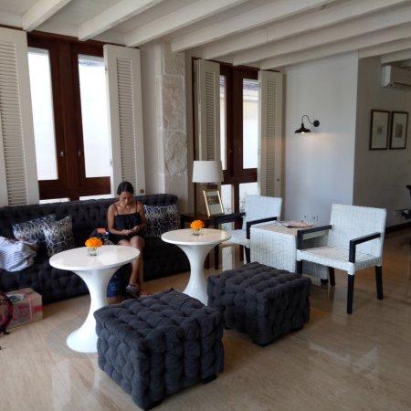 Tanaya Bed & Breakfast: Lobby