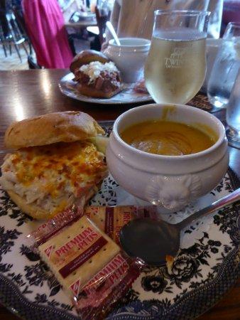Hawgs Breath Saloon : Heavenly lunch. Yum!