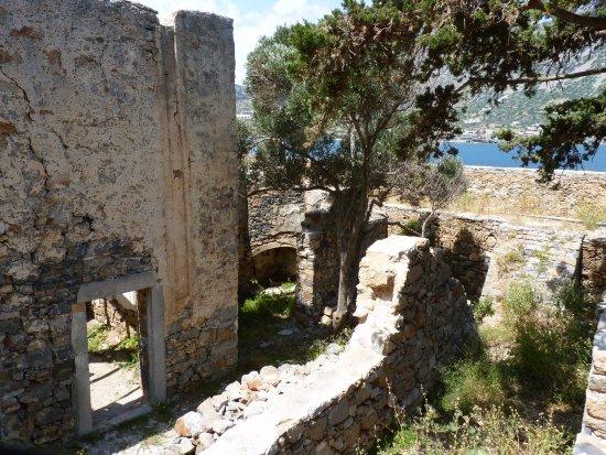 เอเลาน์ดา, กรีซ: Les ruines