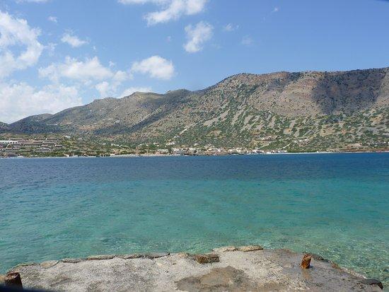 เอเลาน์ดา, กรีซ: Vue sur Plaka