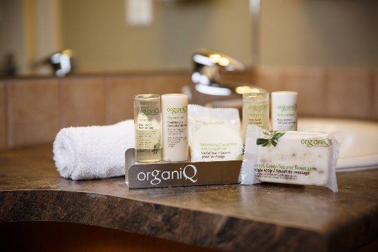 Sooke Harbour Resort and Marina: OrganiQ Bathroom Amenities