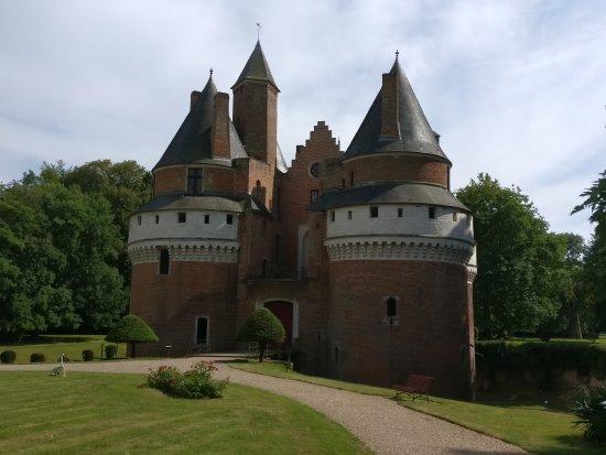 Chateau Fort de Rambures: TA_IMG_20170721_171057_large.jpg