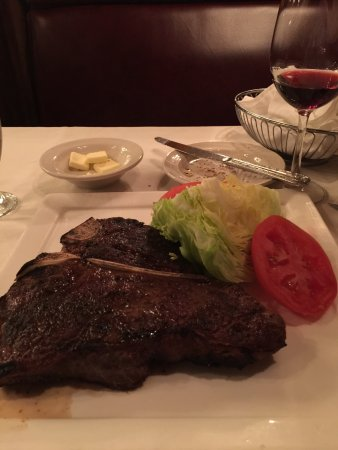 Rod's Steak And Seafood Grille: photo1.jpg