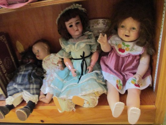 Greenville, NH: Antique and Vintage Dolls