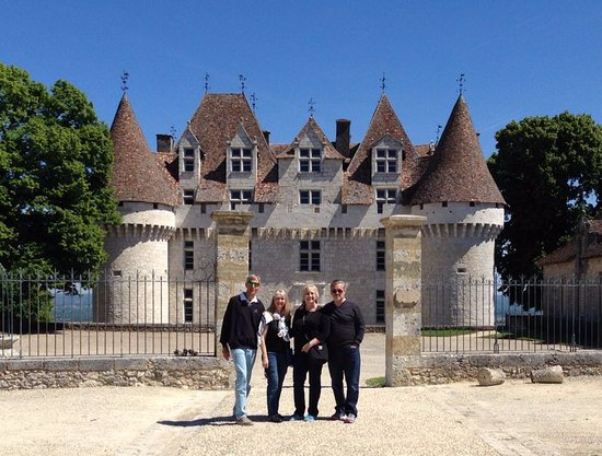 Trémolat, Francia: The Saunders party at Chateau Monbazillac