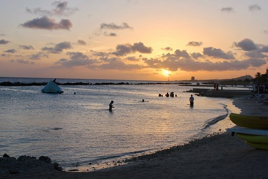Sunscape Curacao Resort Spa & Casino: Lagoon area to snorkel at Sunset