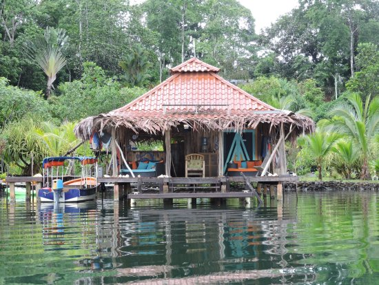 Isla San Cristobal Photo