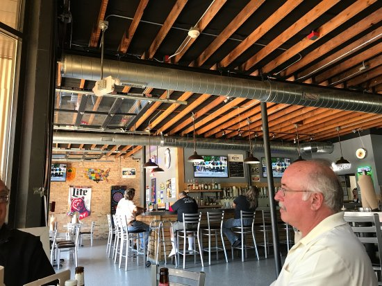 The Garage Smokehouse And Bar Berwyn Restaurant Reviews Photos