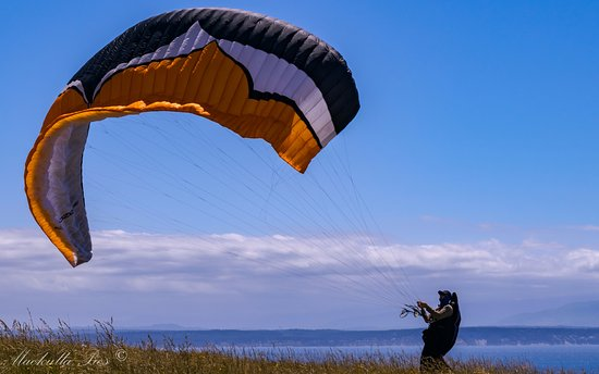Coupeville, WA: Great winds for hang gliding.