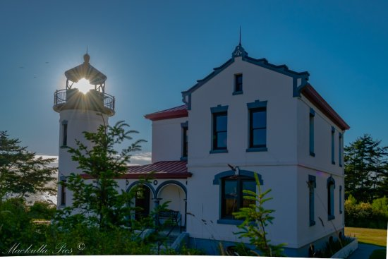Fort Casey State Park: At this time of the year the sun will hit the lighthouse just right.