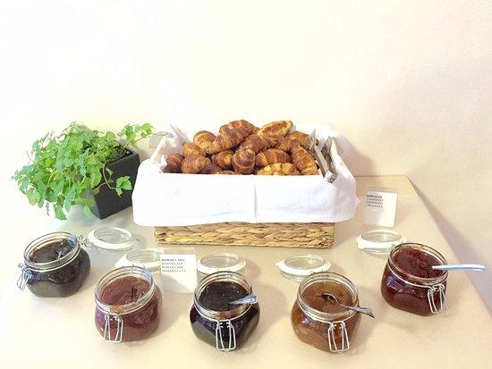 Hotel Amfora: Those mini croissant. Mmmmmmm yummy