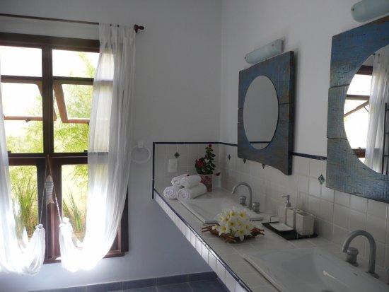 Pousada de Charme Outre Mer: banheiro master suite