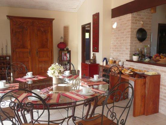 Pousada de Charme Outre Mer: sala cafe da manha