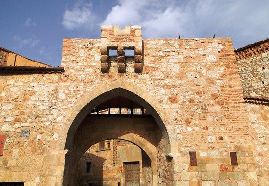 El Arco Medieval de Ayllon