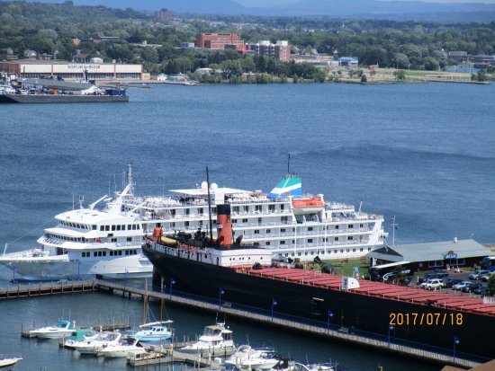 Sault Ste. Marie, มิชิแกน: valley camp and cruise ship