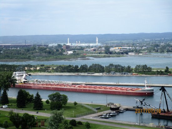 Sault Ste. Marie, MI : ship going by