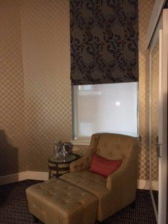 هوتل موناكو بالتيمور إيه كيمبتون هوتل: Nice corner room!