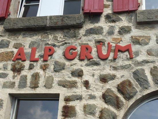 Alp Gruem, Switzerland: Ein besonderer Bahnhof!
