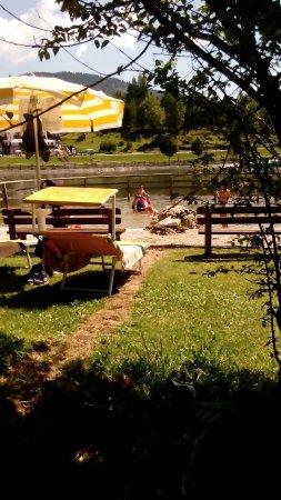 Roana, Italia: relax sul prato e giochi per i piccoli