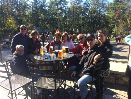 Mills River, Северная Каролина: The Great Outdoor Entertainment Area @ Sierra Nevada