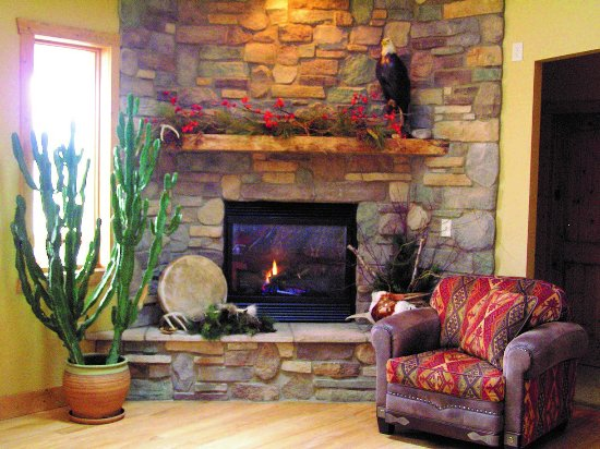 Sturgeon Bay, WI: Upstairs Fireplace