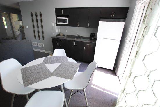 Homestead Suites: Pine: Kitchenette