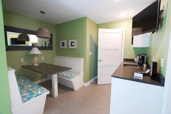 Homestead Suites: Cedar: Breakfast nook