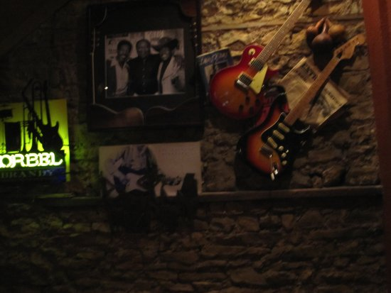 Prescott, WI: Blues on the wall