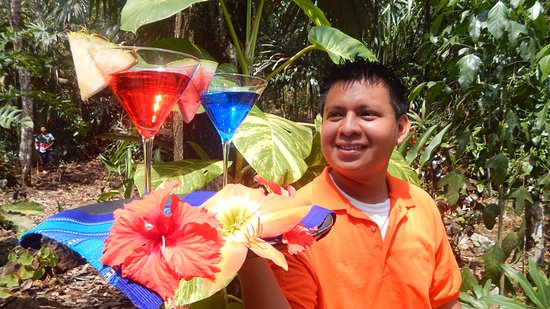 San Antonio, Belice: Friendly staff to spoil you in our jungle paradise