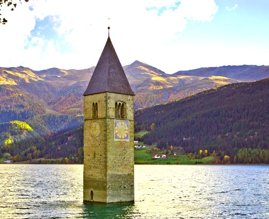 ‪‪Curon Venosta‬, إيطاليا: Old Tower of submerged village of Alt-Graun, Sud Tyrol (Italy)‬