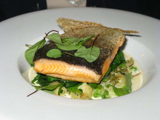 Three Tuns: Romsey trout, spinach, sorrel sauce