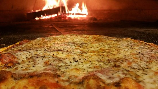 State College, PA: Wood fired pizza
