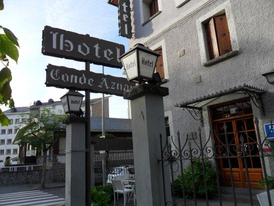 阿斯納爾伯爵酒店