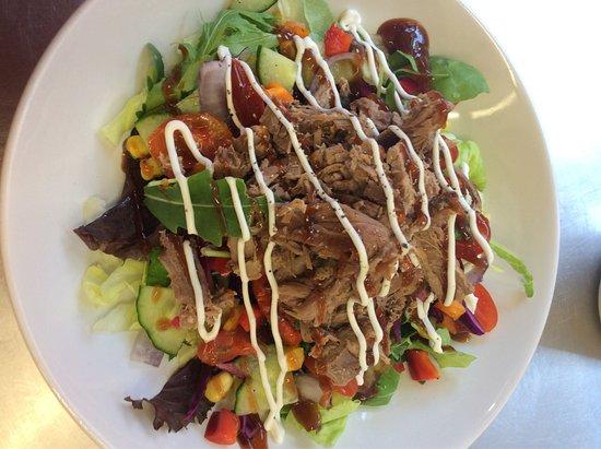 West Malling, UK: Delicious salad bowls!