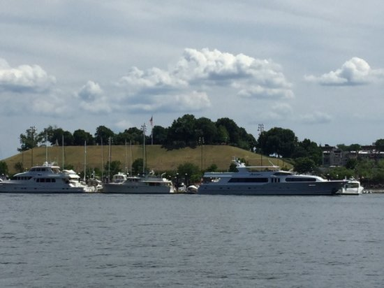 Baltimore Water Taxi: Fort McHenry!